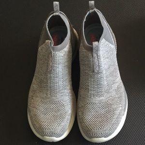 Skechers Gray Matrixx memory foam sneaker shoes 8